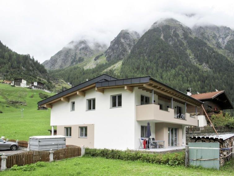 Ferienwohnung Leonie (GES 160) in Längenfeld - 4 Personen, 1 Schlafzimmer, holiday rental in Langenfeld