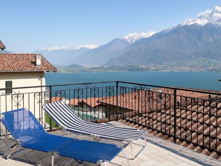 Ferienwohnung Aurora (DMA330) in Domaso - 4 Personen, 2 Schlafzimmer, location de vacances à Trezzone