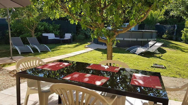 Villa 4 Personnes Jardin Privatif  - piscine, holiday rental in Gareoult