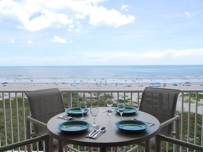 DIRECT OCEANFRONT UNIT-DISCOUNTED RATES available for FALL and WINTER DATES, location de vacances à Cocoa Beach