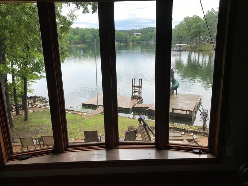 Lakefront family vacation fun!!!, vacation rental in Cherokee Village