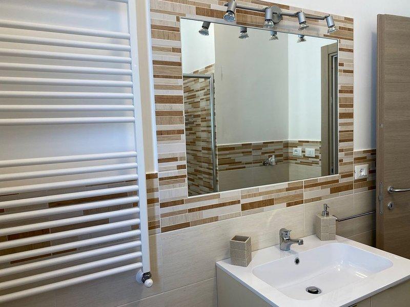 Appartamento Completamente Ristrutturato a 50mt dal mare, Ferienwohnung in Viareggio