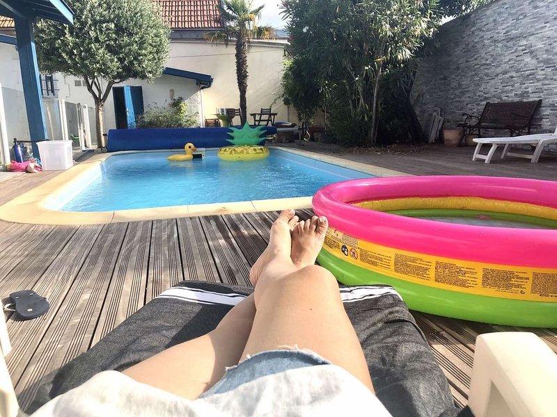 Magnifique villa avec piscine, 50 metres de la plage!, location de vacances à Arcachon