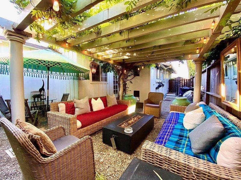 Perfect luxury getaway two blocks from Oldtown State Street!, holiday rental in Santa Barbara