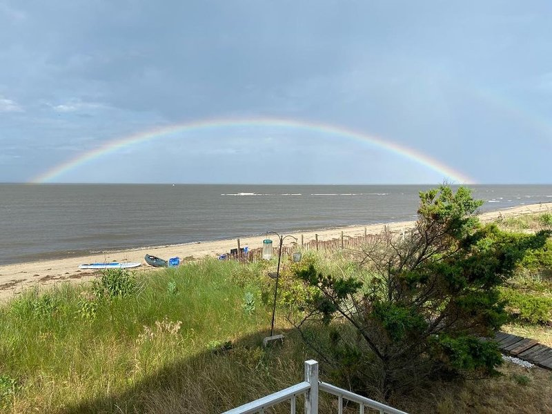 beachfront on the Delaware Bay- beautiful Prime Hook Beach, holiday rental in Broadkill Beach