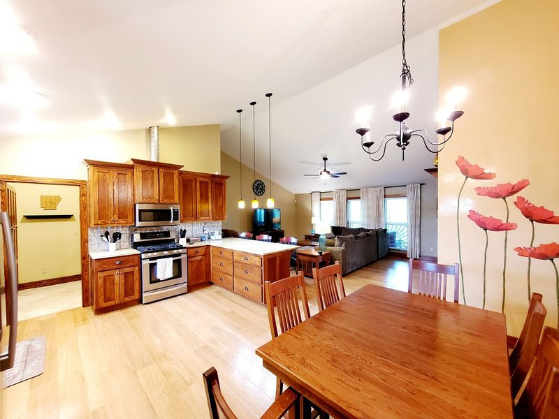 Large Home Minutes from Greer's Ferry Lake and  UTV Trails, holiday rental in Shirley