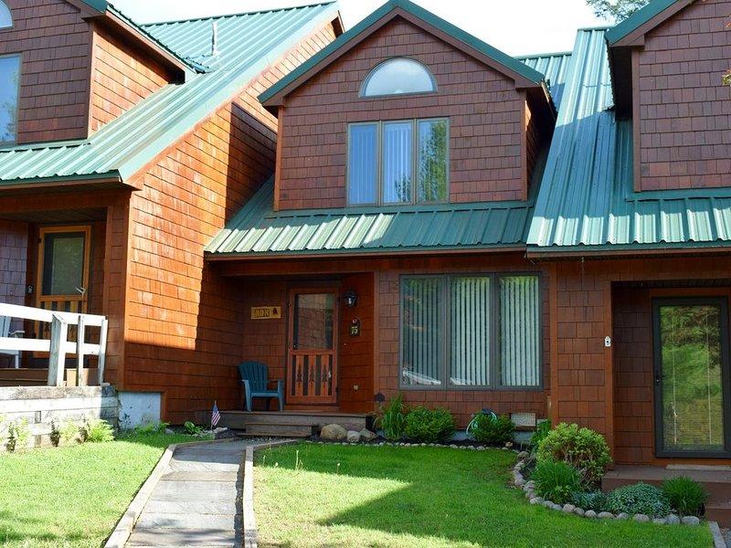 Townhome K3 - 4th Lake, casa vacanza a Eagle Bay