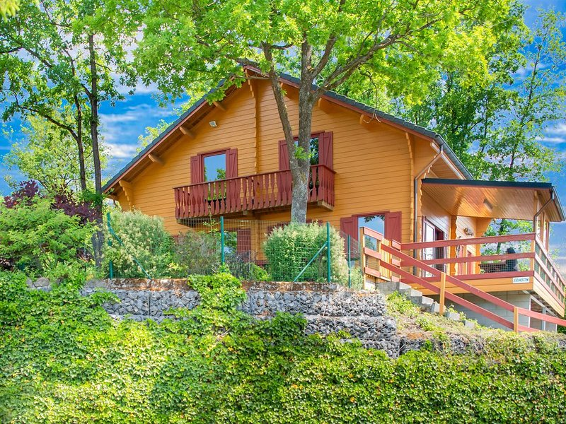 Charming Holiday Home in Barvaux-Weris with Sauna, holiday rental in Heyd