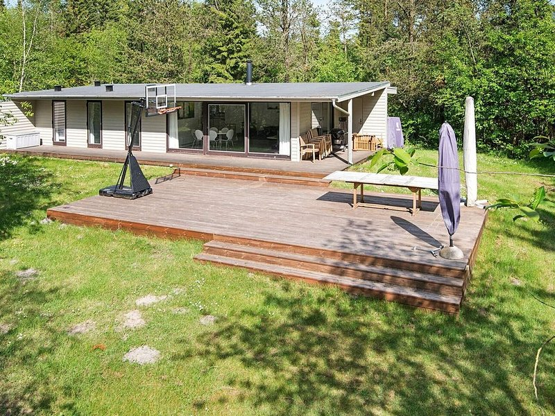 Splendid Holiday Home in Bording with Roofed Terrace, location de vacances à Bryrup