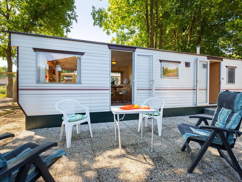 Secluded Holiday Home in Garderen with Jacuzzi, vacation rental in Kootwijk