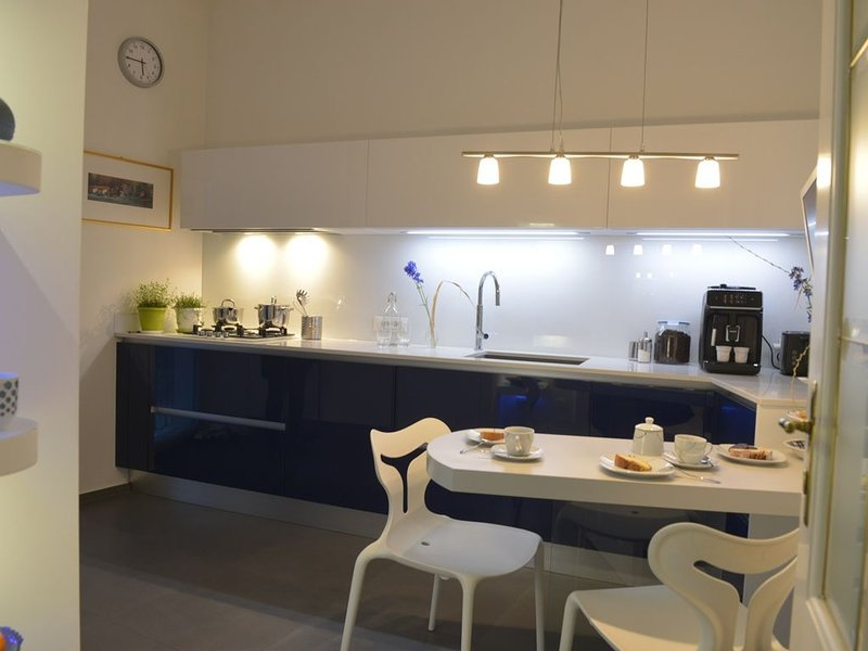 Neu - villa Mays Wohnung mit viel Flair in Meran, vacation rental in Marlengo