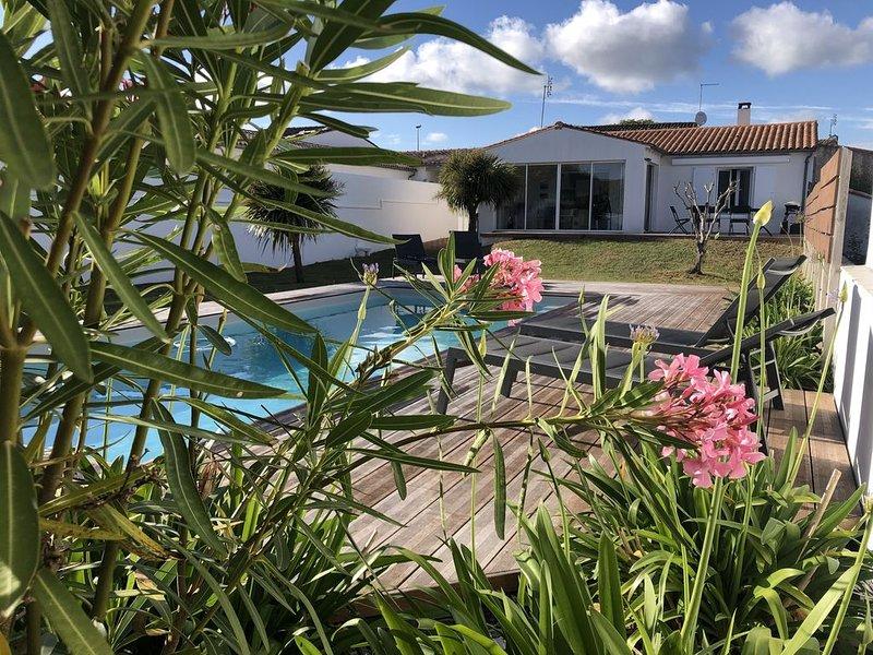 400m Plage avec piscine chauffée LA NOUE - ÎLE DE RÉ, holiday rental in Sainte Marie de Re