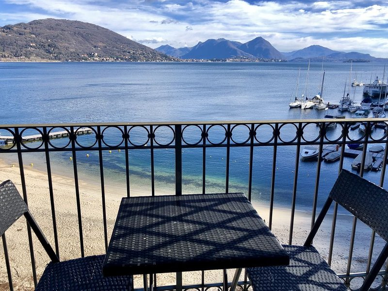 Appartamento Dolce Vista, lake front, vacation rental in Casale Corte Cerro