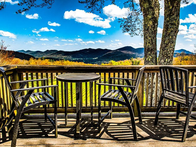A Smoky Mountain Retreat near Cashiers, N.C., location de vacances à Jackson County