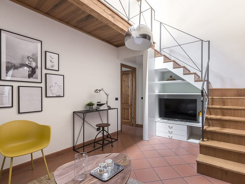 Romantic Apartment In Oltrarno, vacation rental in Florence