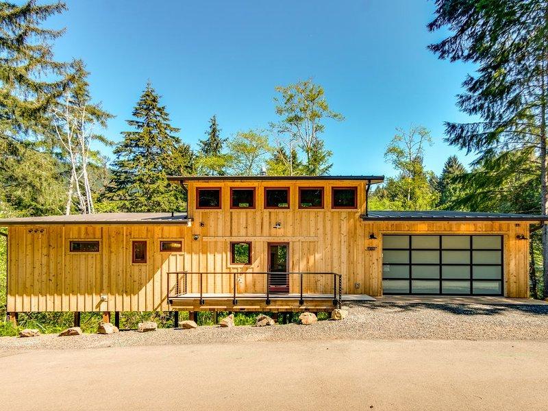 Barnhaus -- Beautiful NEW home on quiet cul-du-sac short distance from the beach, alquiler de vacaciones en Nehalem