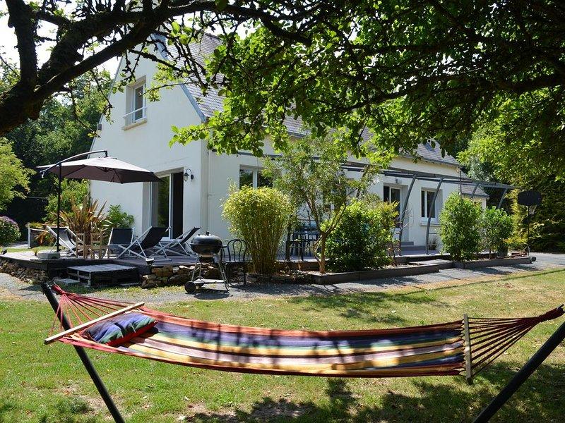 Maison 8 pers. idéalement située entre Quimper /Pont l'Abbé et les plages, holiday rental in Plogastel-Saint-Germain