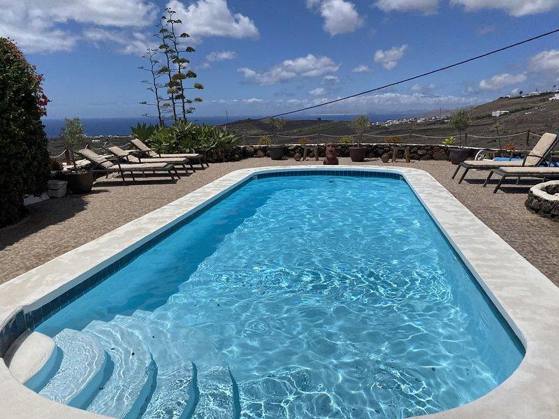 Finca la Cantera. Peaceful retreat. Amazing views. Rustic charm.  Privacy, Ferienwohnung in Lanzarote