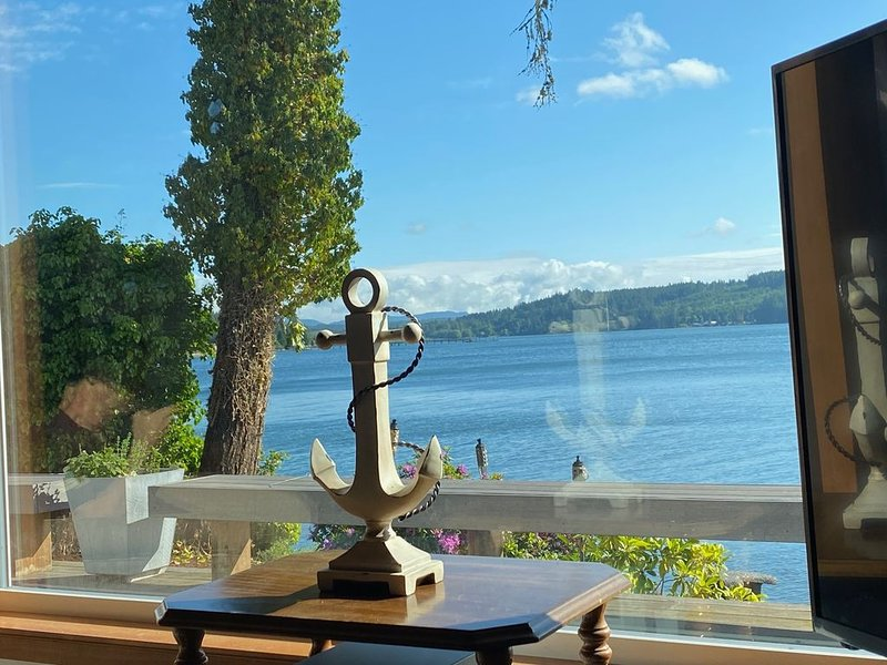 Beach Retreat With 5 Bedrooms -  The Perfect Get Away Now!, location de vacances à Allyn