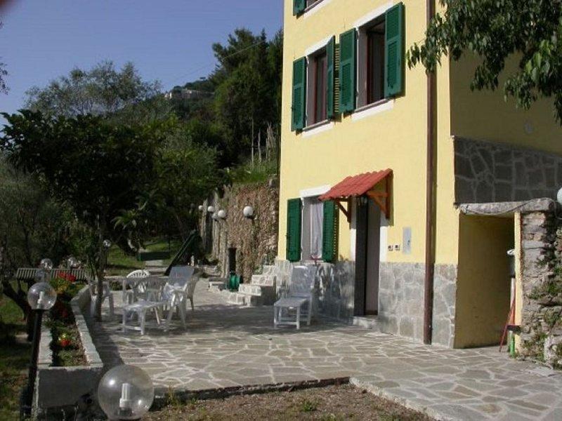 Camogli monolocale 100metri dal mare, nel verde con posteggio e wifi, vacation rental in Camogli