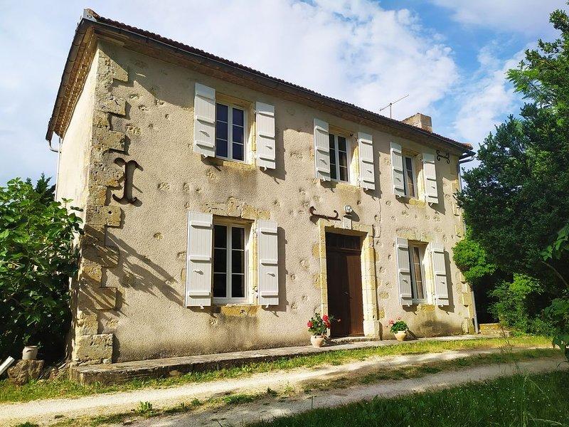 Gîte de Terre Blanche, maison de campagne 6 personnes, vacation rental in Saint-Puy