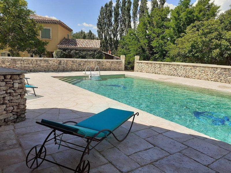 Villa au calme dans le luberon, holiday rental in Villars en Luberon