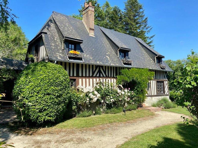 Grand Cottage d'Hortense - 5min plage Villers s/Mer, casa vacanza a Bourgeauville