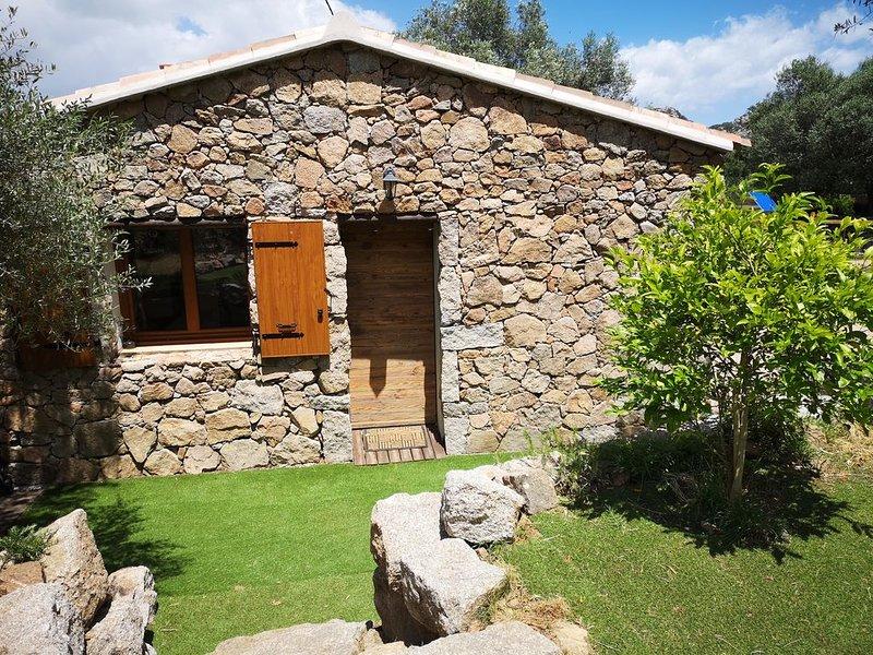 A Casa Di Lesia proche Porto-vecchio, holiday rental in Pietra Longa Salvini