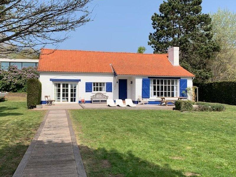 Maison 'Petit Paradis' proche de la mer, pétanque, grand jardin, location de vacances à Nieuwpoort