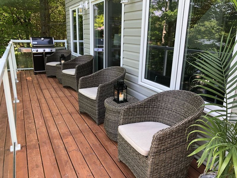 Vacation in beautiful Muskoka! Experience lake house living on Peninsula lake., holiday rental in Algonquin Provincial Park