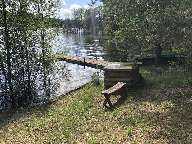 Long Lake Escape- Private Waterfront Cabin , kayak, fish, swim, boating, BBQ, holiday rental in Plainfield