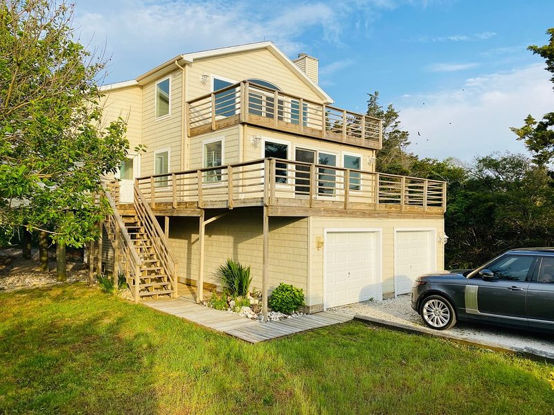 RARE Beachfront AND Wildlife Reserve Home in Broadkill Beach!, holiday rental in Broadkill Beach