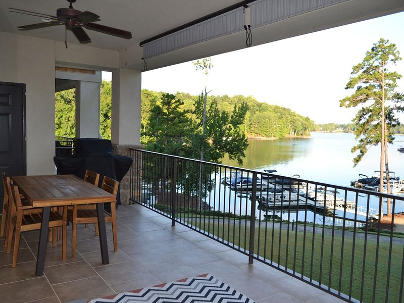 Directly on the Water! Boat Slip!  Stillwaters Gated Resort & Marina, location de vacances à Tallassee