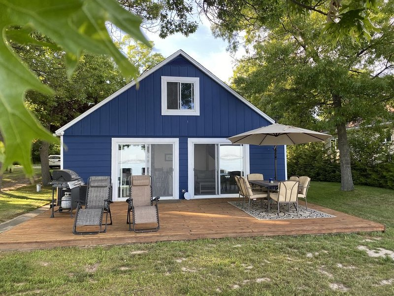 Waterfront Sand Point Escape on Wild Fowl Bay, holiday rental in Au Gres
