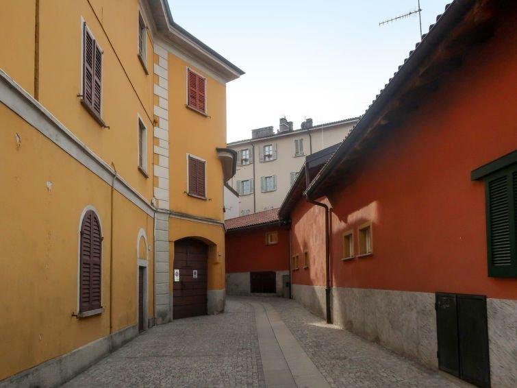 Ferienwohnung Vittore (INT260) in Verbania - 4 Personen, 2 Schlafzimmer, vacation rental in Bee
