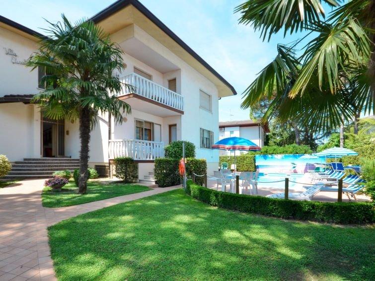 Ferienwohnung Villa Elisabeth (LIG431) in Lignano Pineta - 6 Personen, 2 Schlafz, vacation rental in Lignano Pineta