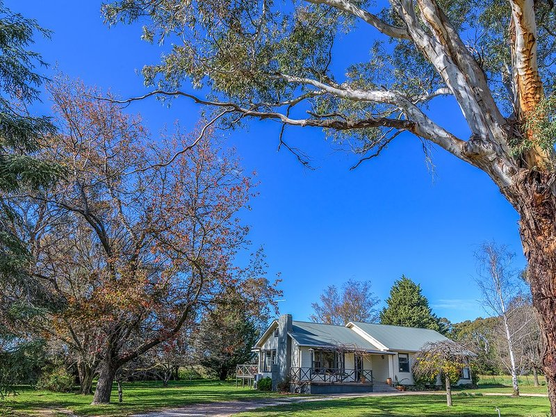 Pinnacle Road Cottage - Set on 5 acres & Close to town, holiday rental in Nashdale