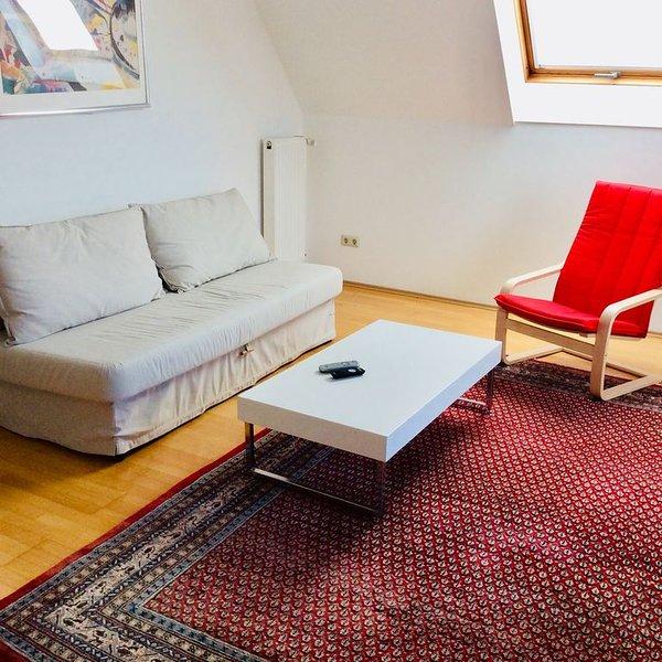 Sehr schöne Stadtwohnung ca 3,5 km z. Zent. 74 m², vacation rental in Neunkirchen