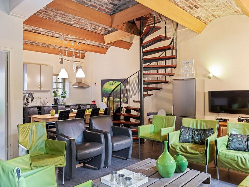 Traditional Apartment in Mesch with Terrace, casa vacanza a Gronsveld