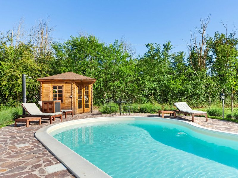 Rustic Cottage in Avigliano Umbro with Sauna & Pool, location de vacances à Avigliano Umbro