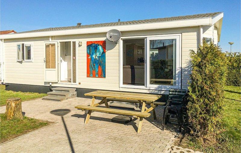 3 Zimmer Unterkunft in Sint-Annaland, holiday rental in Sint Maartensdijk