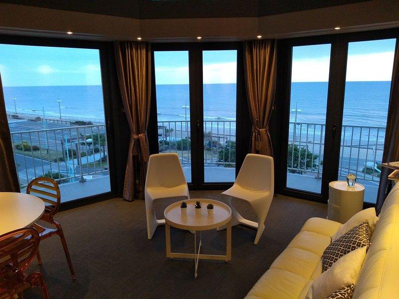 Face Mer Luxe, expo Est-Ouest vue à 280° jusqu'à 3 Personnes. 'Internet box 4G', holiday rental in Vendee