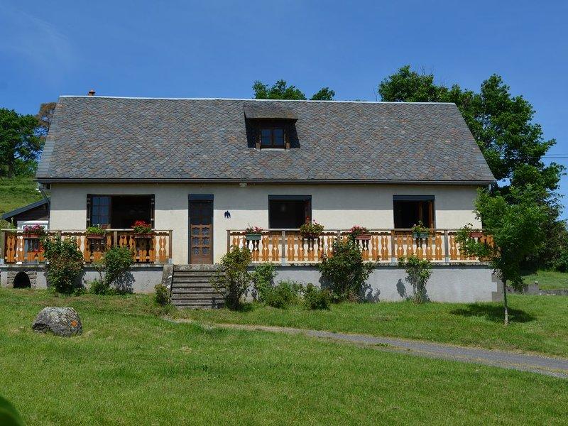 Agréable maison au coeur des volcans d'Auvergne, massif du Sancy, aluguéis de temporada em Champeix