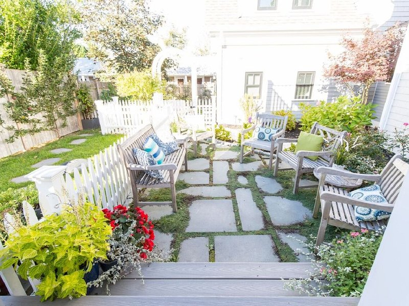 West End Completely Renovated 2BR/2BA Condo, vacation rental in Provincetown