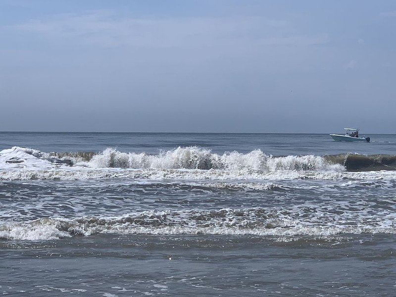Enjoy fall at the beach!, holiday rental in Holden Beach