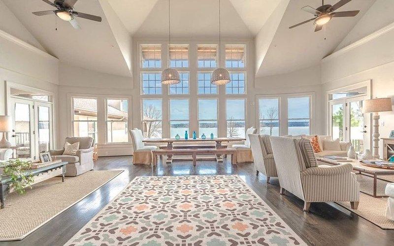 6-Bed, 6-Bath Luxury Condo on Lake Oconee; Sleeps 18; Great Location for Masters, vacation rental in Eatonton