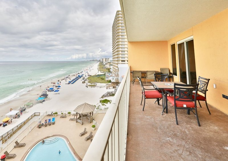 Recently updated Treasure Island 6th floor condo. Easy parking access, vacation rental in Panama City