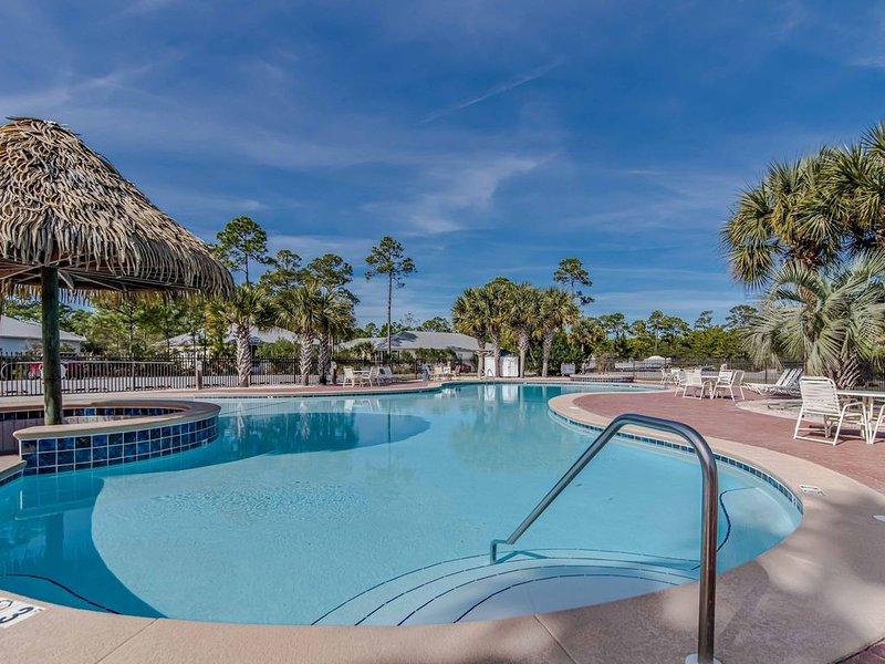 Last Minute Deal for July 27-30~Cute Cottage~Easy Beach Access~, location de vacances à Gulf Shores