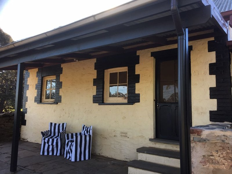 Peppertree Cottage in a beautiful Rural Setting, location de vacances à Clare