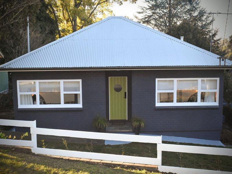 Winston Cottage Leura **NEW!  Location & Views **, vacation rental in Leura